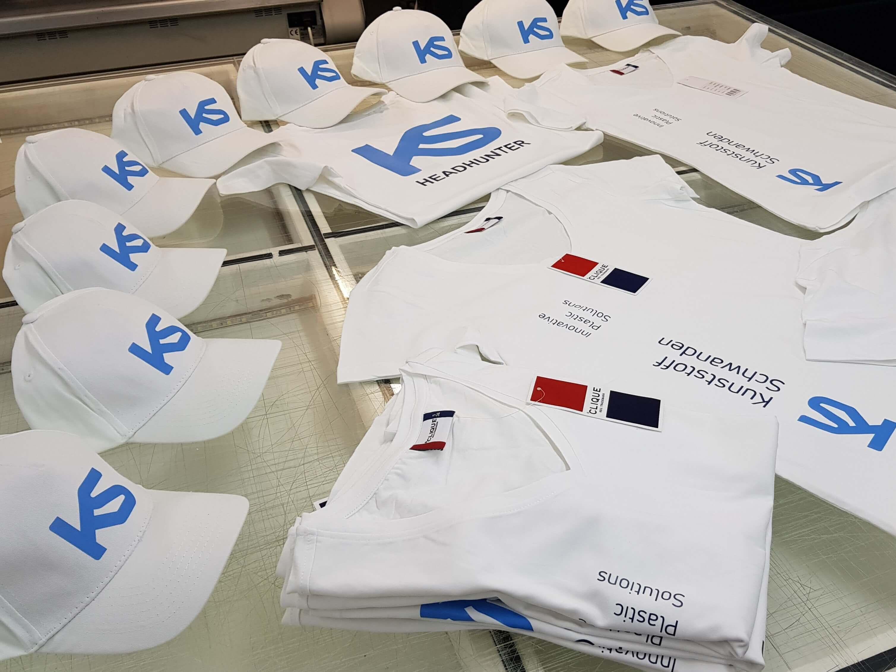 Textildruck, T-Shirt druck, kleiderdruck, arbeitskleider druck, kleider beschriftung, Firmenkleider, textilwerbung